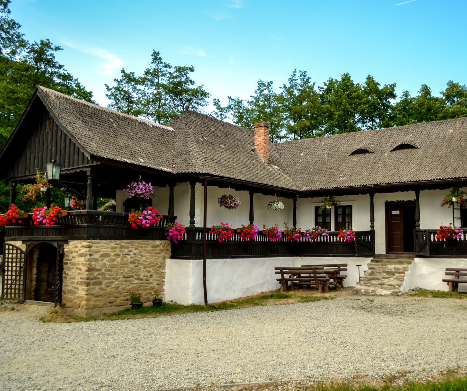 Cârciuma din Bătrâni – 20 years of hospitality in the Village Museum