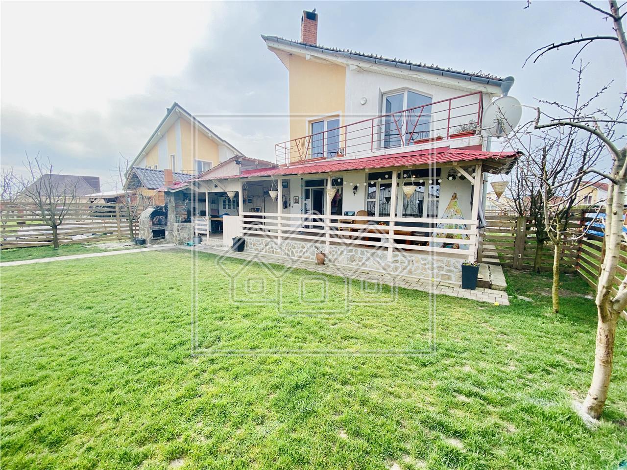 Casa de vanzare in Sibiu, individuala, cu curte mare, Sura Mica