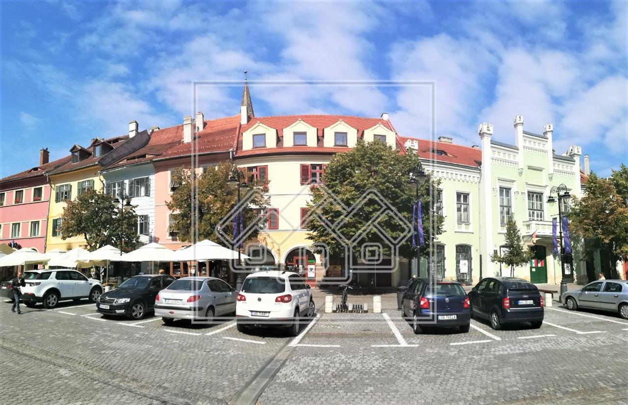 Spatiu comercial de inchiriat in Sibiu, Piata Mica -mobilat si utilat