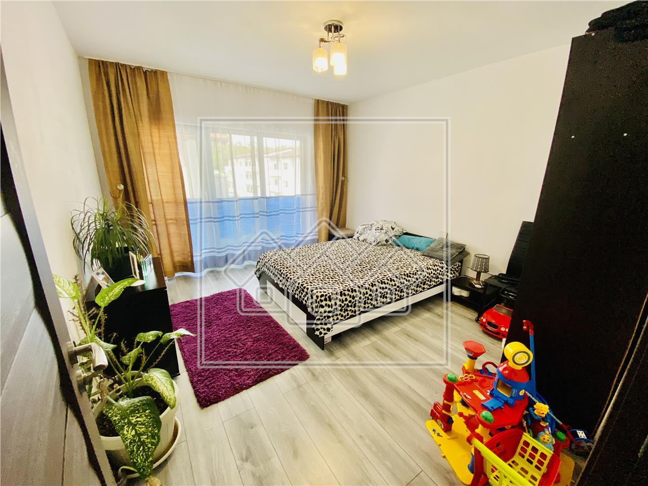Apartament de vanzare in Sibiu -3 camere cu balcon- Calea Cisnadiei