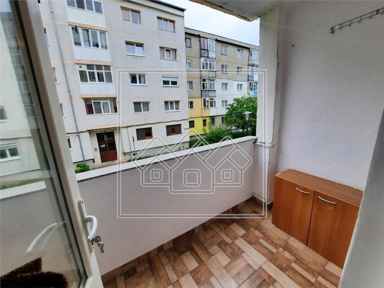 Apartament 2 camere de inchiriat in Sibiu - strada Siretului - balcon