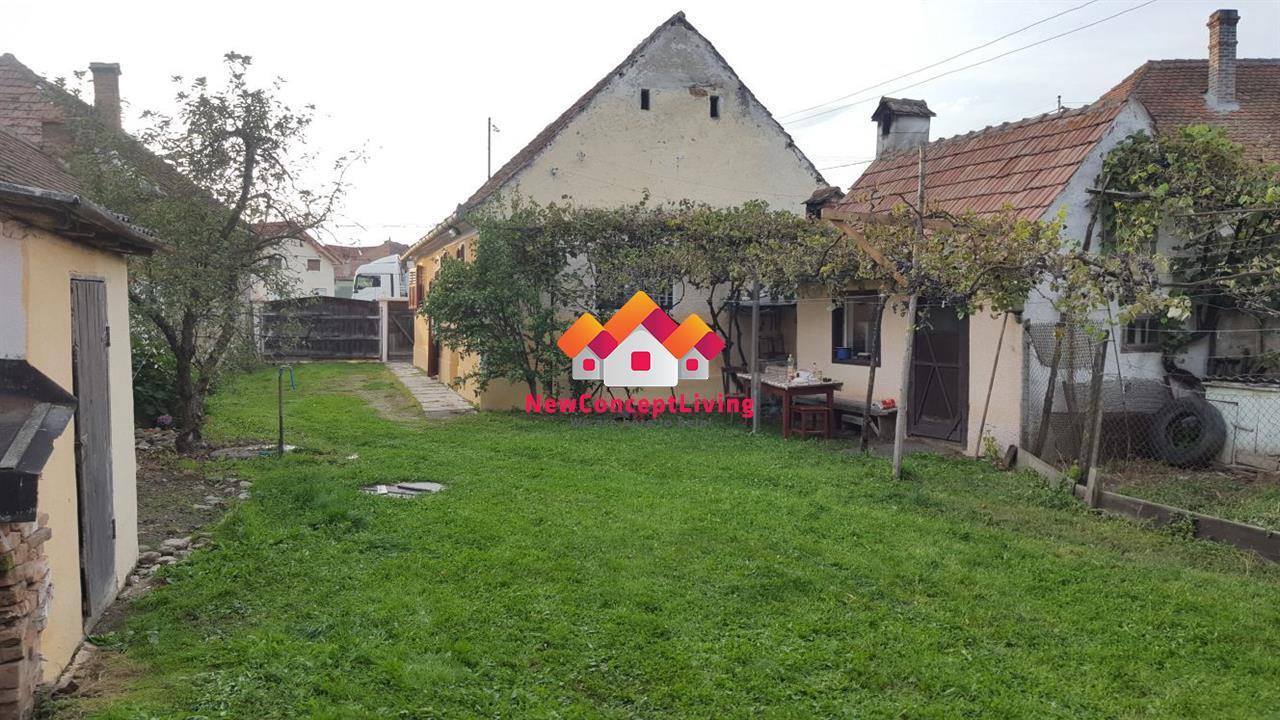 Casa de vanzare in Sibiu - zona Porumbacu de Jos, gradina 1935 mp