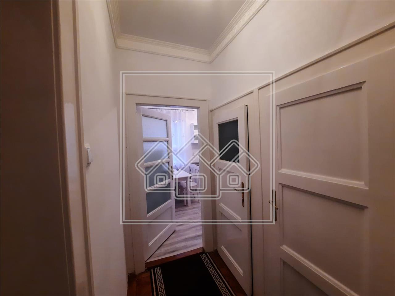 Apartament 3 camere de inchiriat in Sibiu - zona centrala - la casa