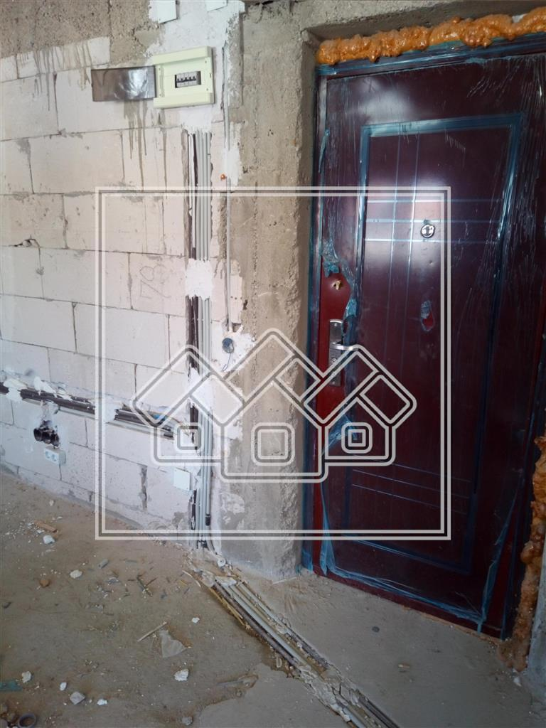 3 bedroom apartment for sale in Cisnadie - attic