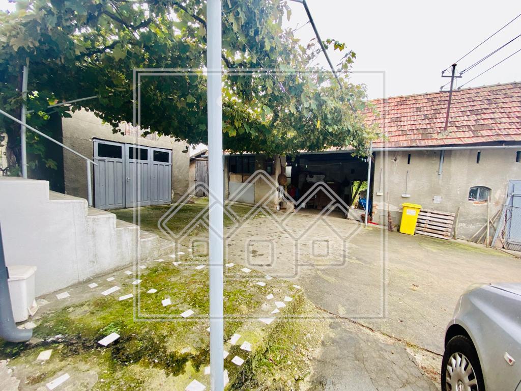 House for sale in Alba-Iulia - land 3000 - Bucerdea Granoasa
