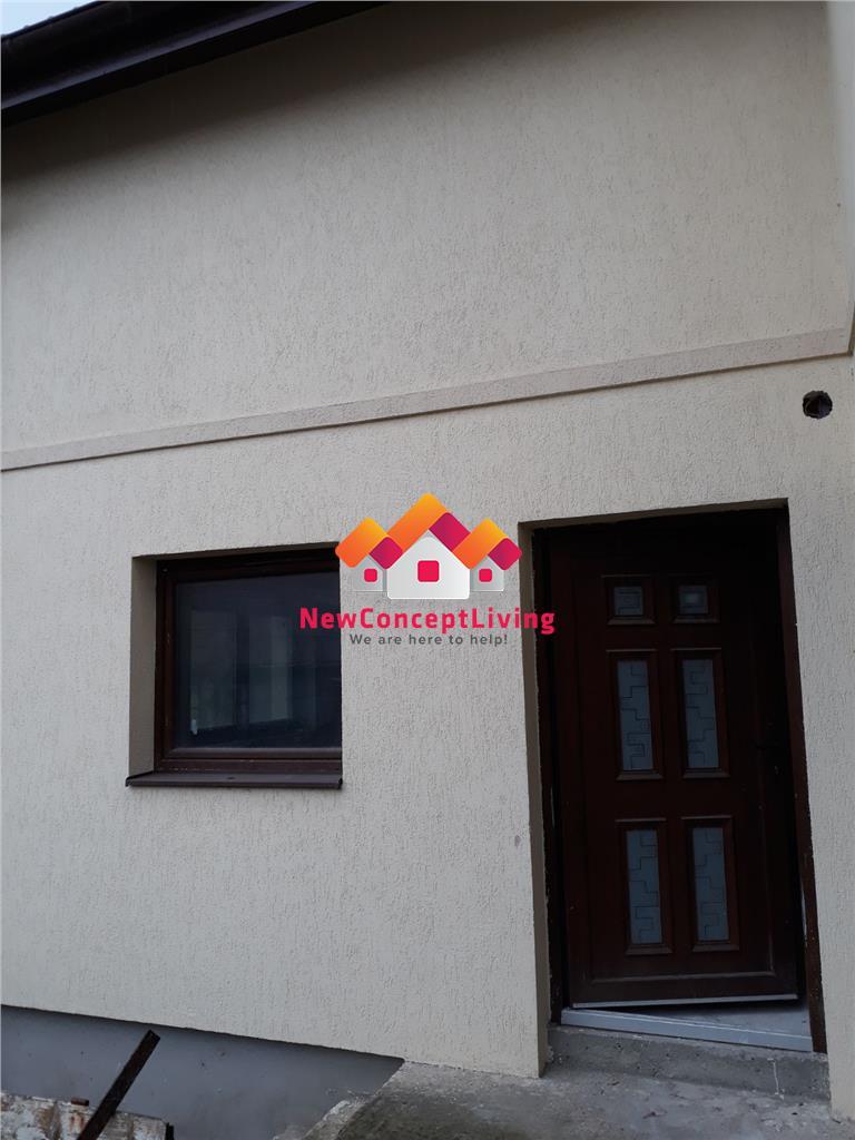 Casa 4 camere de vanzare in Sibiu - Singur in curte