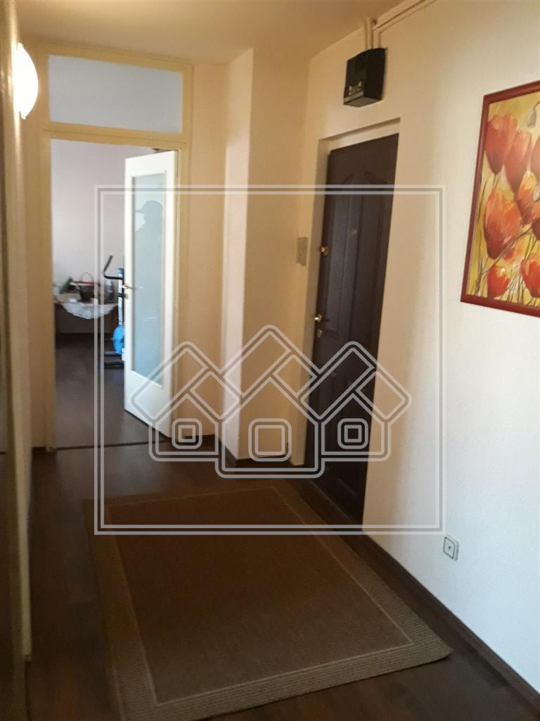 Apartament de Vanzare in Sibiu-2 camere -DECOMANDAT- Zona Turnisor