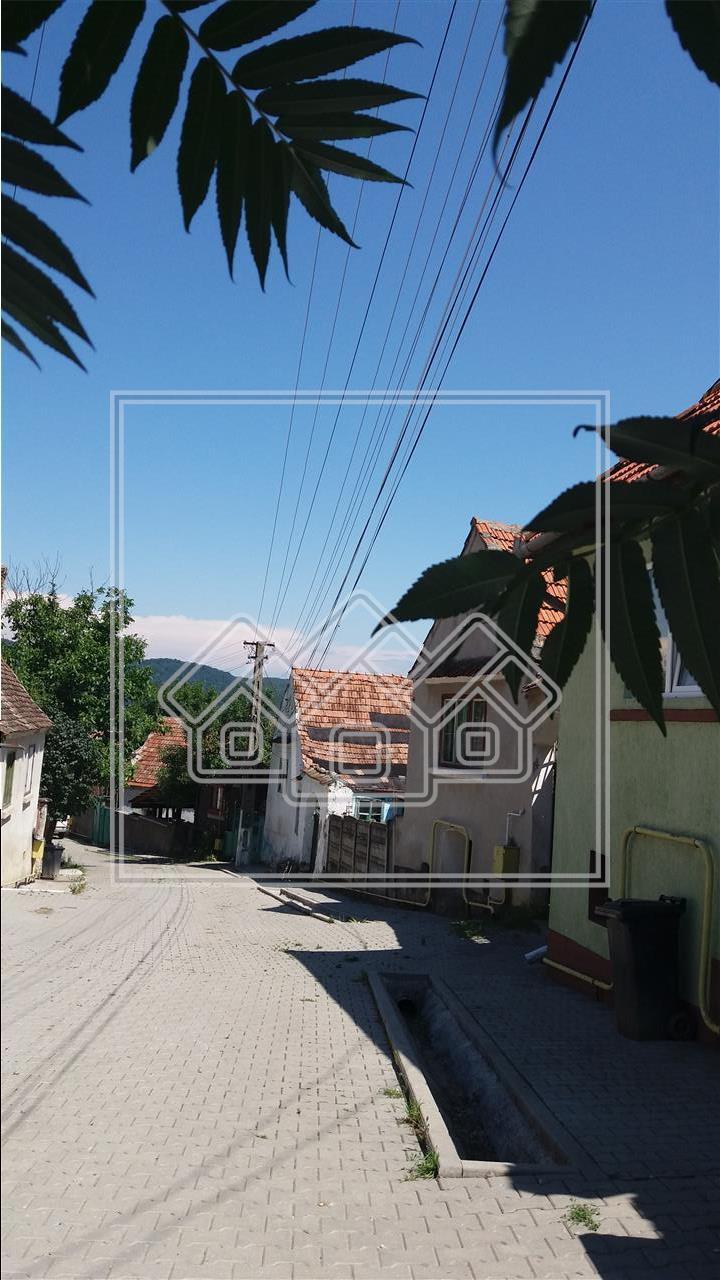 Casa individuala cu teren de 1000 mp in Turnu Rosu