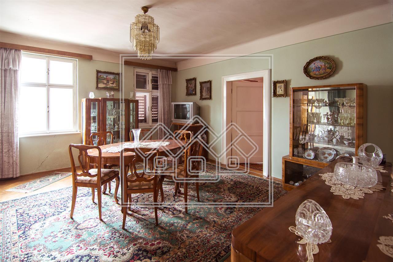 Apartament 3 camere de vanzare in Sibiu - Central zona Istorica