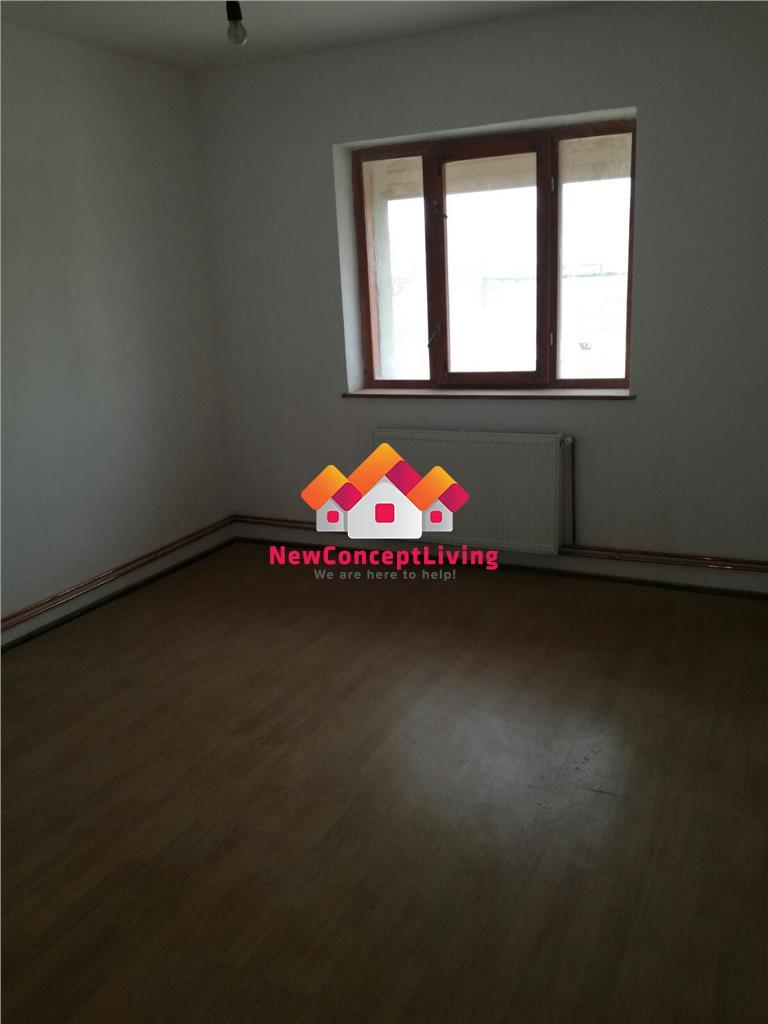 Apartament 4 camere de vanzare In Cisnadie