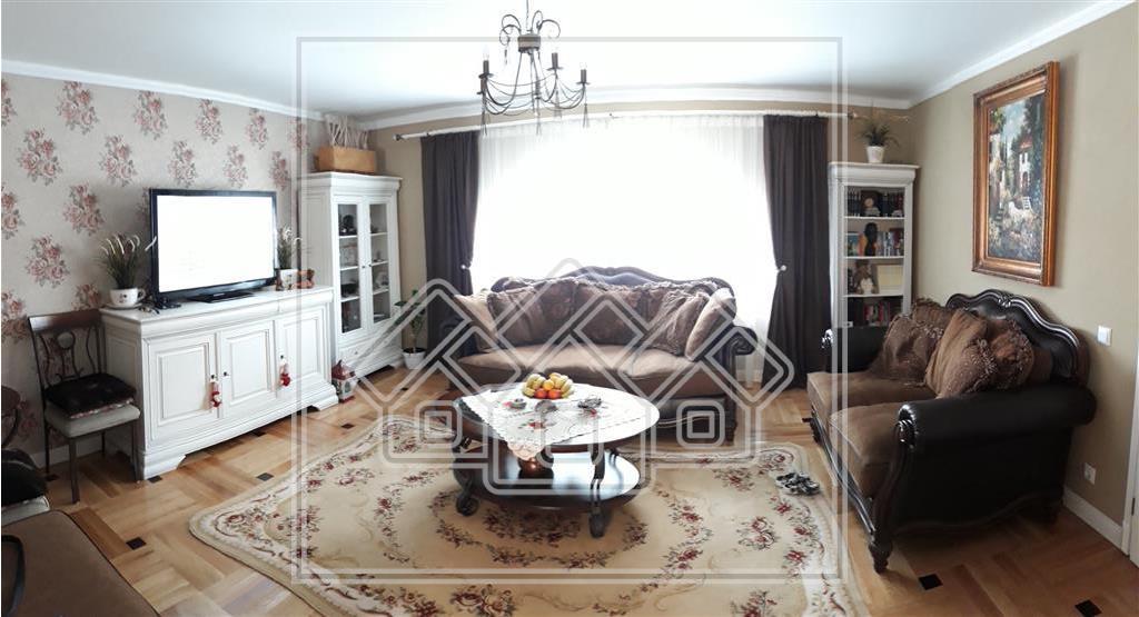 Casa de vanzare in Sibiu, individuala, rafinat finisata si mobilata