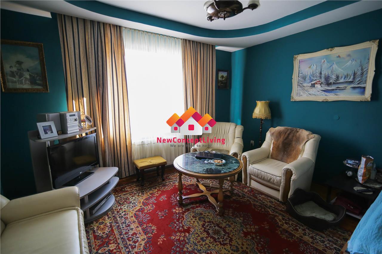 Casa de vanzare in Sibiu - compusa din 2 apartamente - Zona Premium