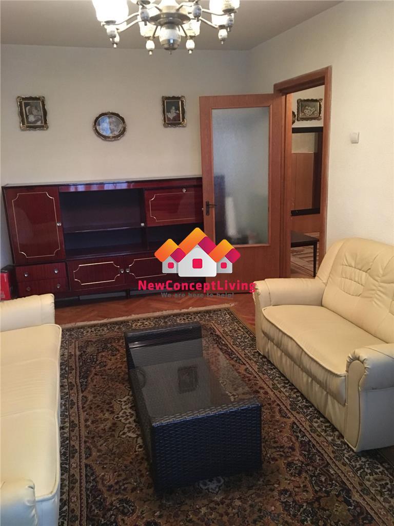 Apartament de vanzare 4 camere, decomandat, 80 mp