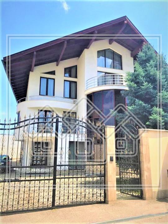 Casa de vanzare in Alba Iulia - finisaje de LUX - zona centrala