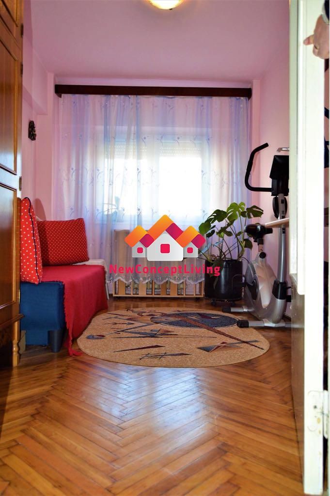 Apartament 3 camere de vanzare, zona Premium, mobilat si utilat