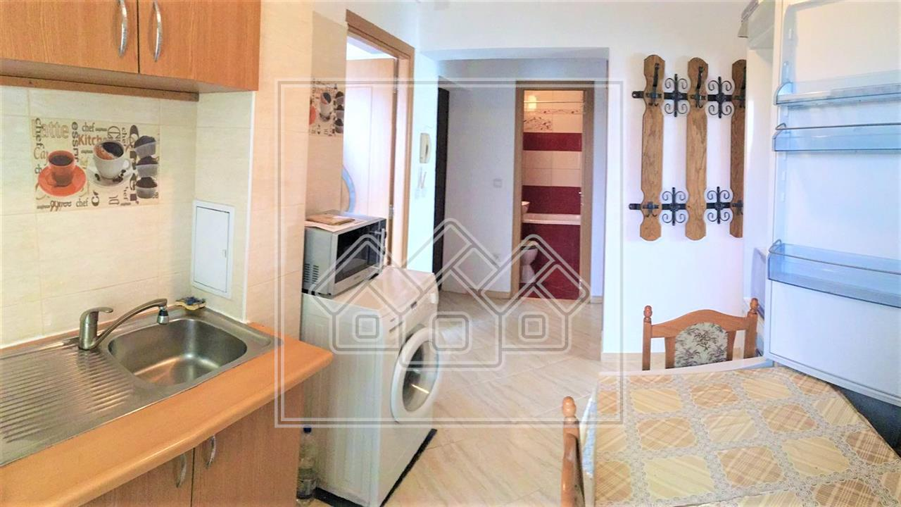 Apartament de inchiriat in Sibiu - 3 camere decomandate- zona V.Aaron