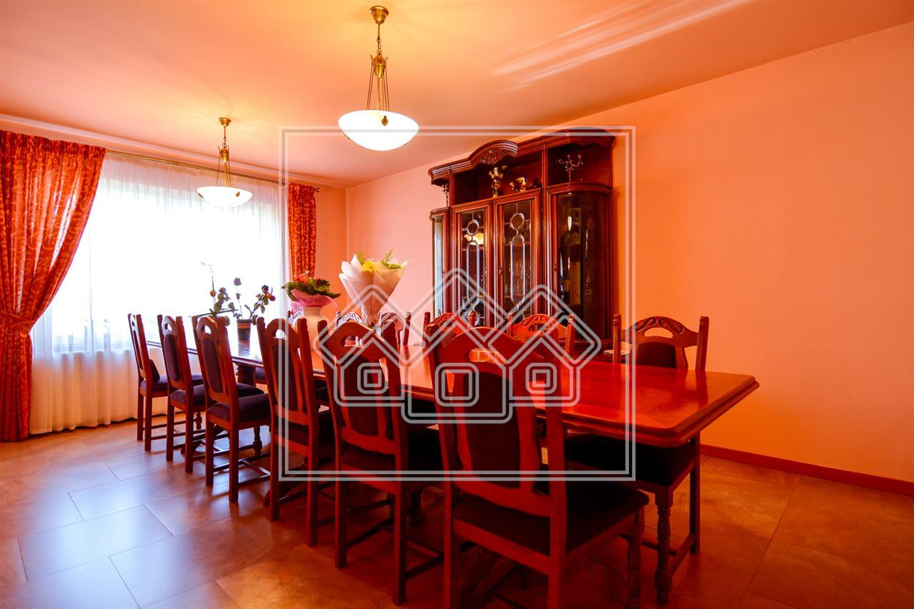 Casa de vanzare in Sibiu - singur in curte- zona Stefan Cel Mare