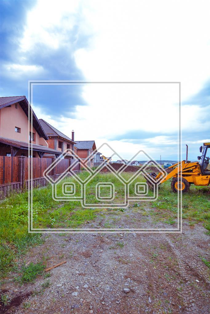 Land for Sale on Calea Cisandiei, suitable for individual dwelling