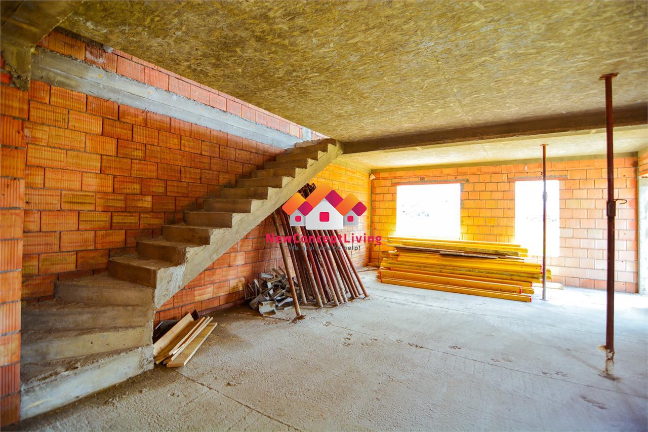 Apartament de vanzare 4 camere in Sibiu - gradina proprie - pod