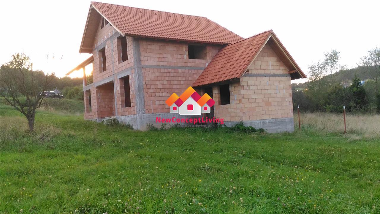 Teren de casa in Tocile, la strada, 700 mp Pret bun