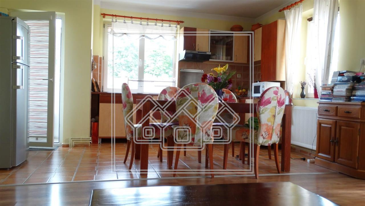 Apartament 2 camere de inchiriat in Sibiu - Mobilat si Utilat - Garaj