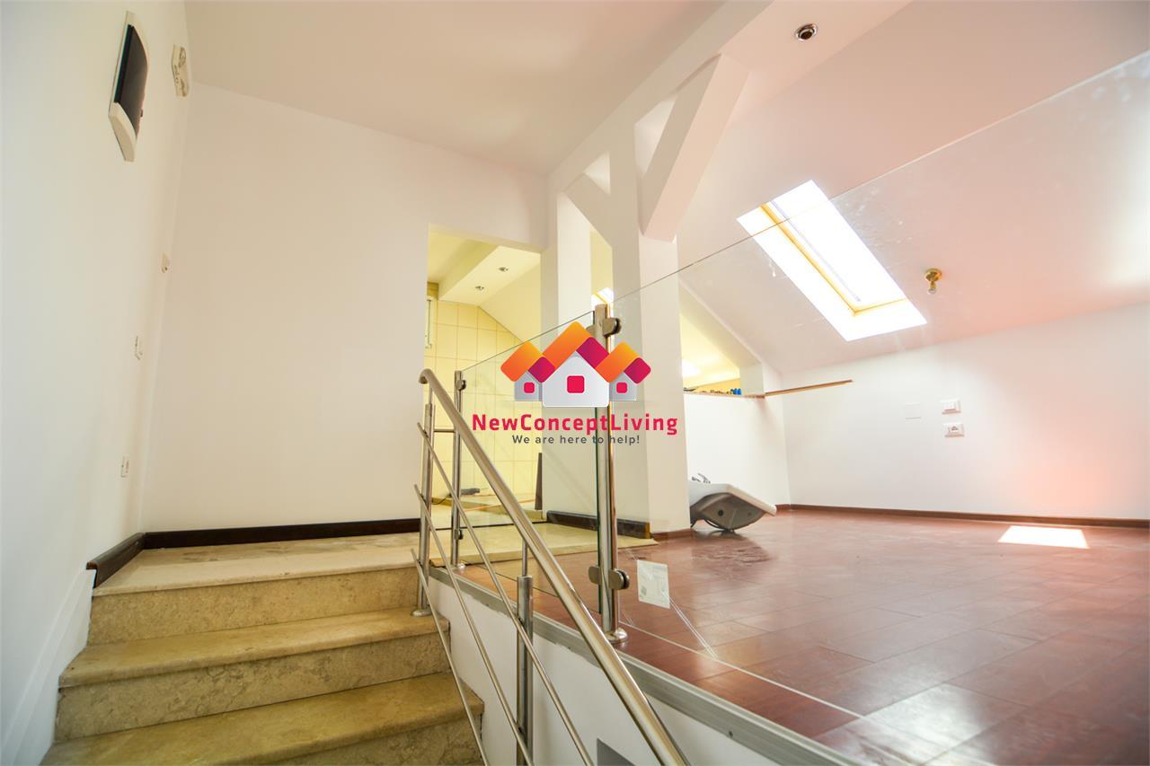 Casa de vanzare in Sibiu - zona Strand, 4 camere, garaj si pivnita