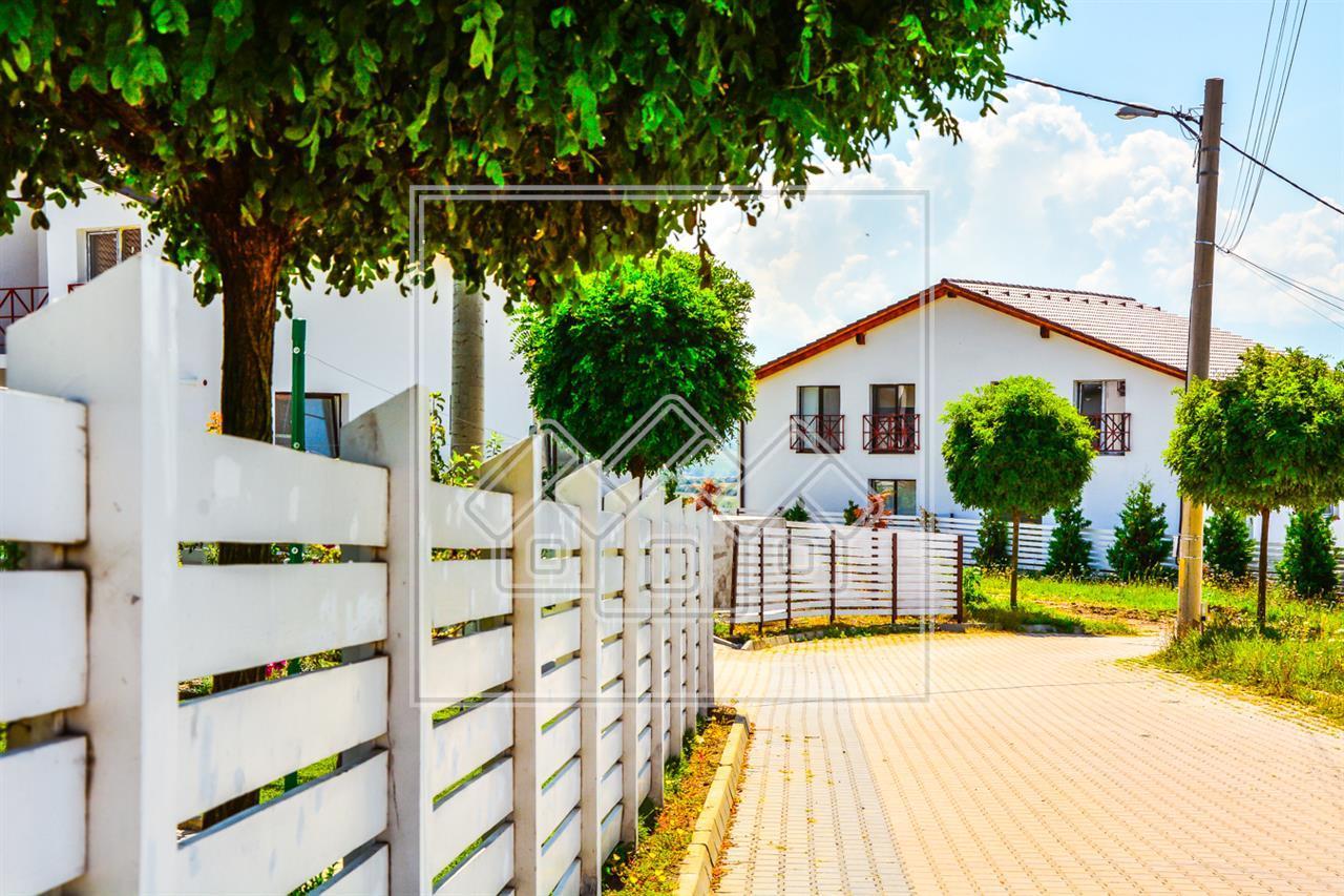 Casa de vanzare in Sibiu - 4 camere - zona rezidentiala de case