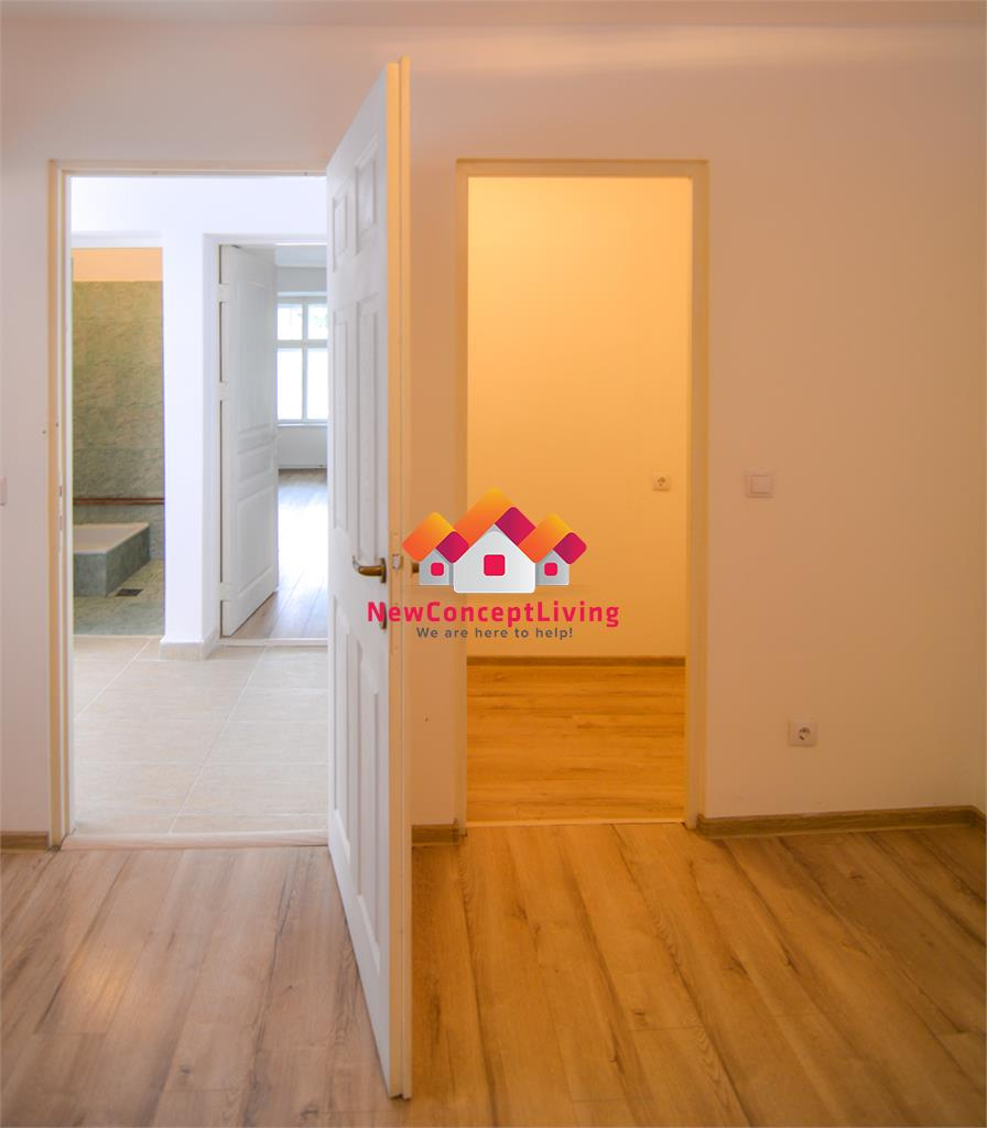 Casa de vanzare in Sibiu - Single - Zona 9 Mai - Curte Proprie