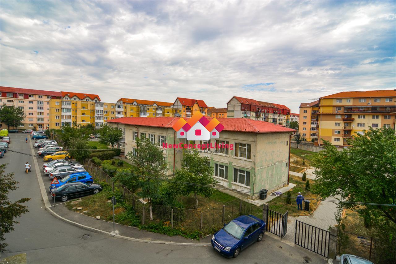 Apartament de vanzare in Sibiu- Etaj interm + 2 balcoane si pivnita