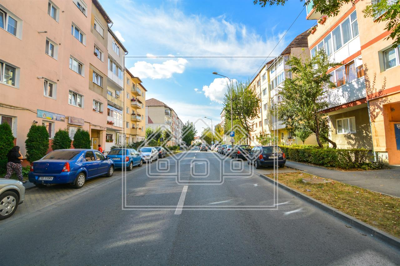 Spatiu comercial de vanzare in Sibiu -Zona Siretului -vedere la strada