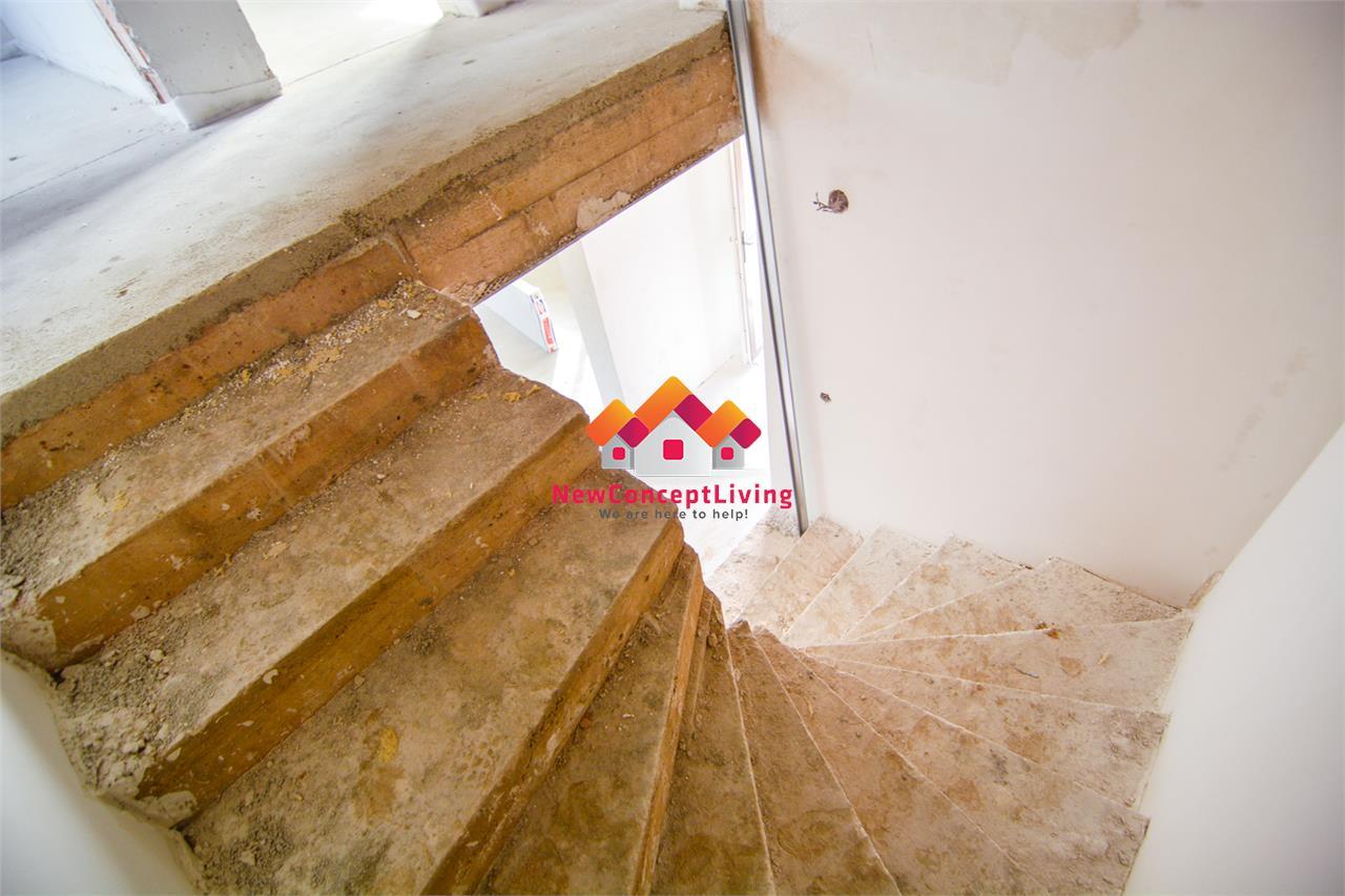 Casa de vanzare in Sibiu - Triplex  - 4 camere + teren - strada dalata