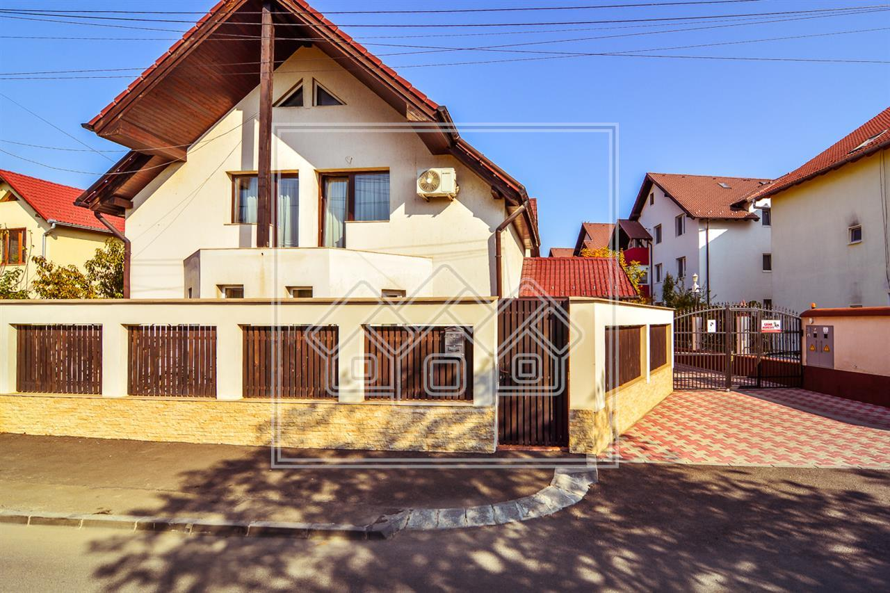 Casa de vanzare in Sibiu - individuala - 5 camere - zona Lazaret