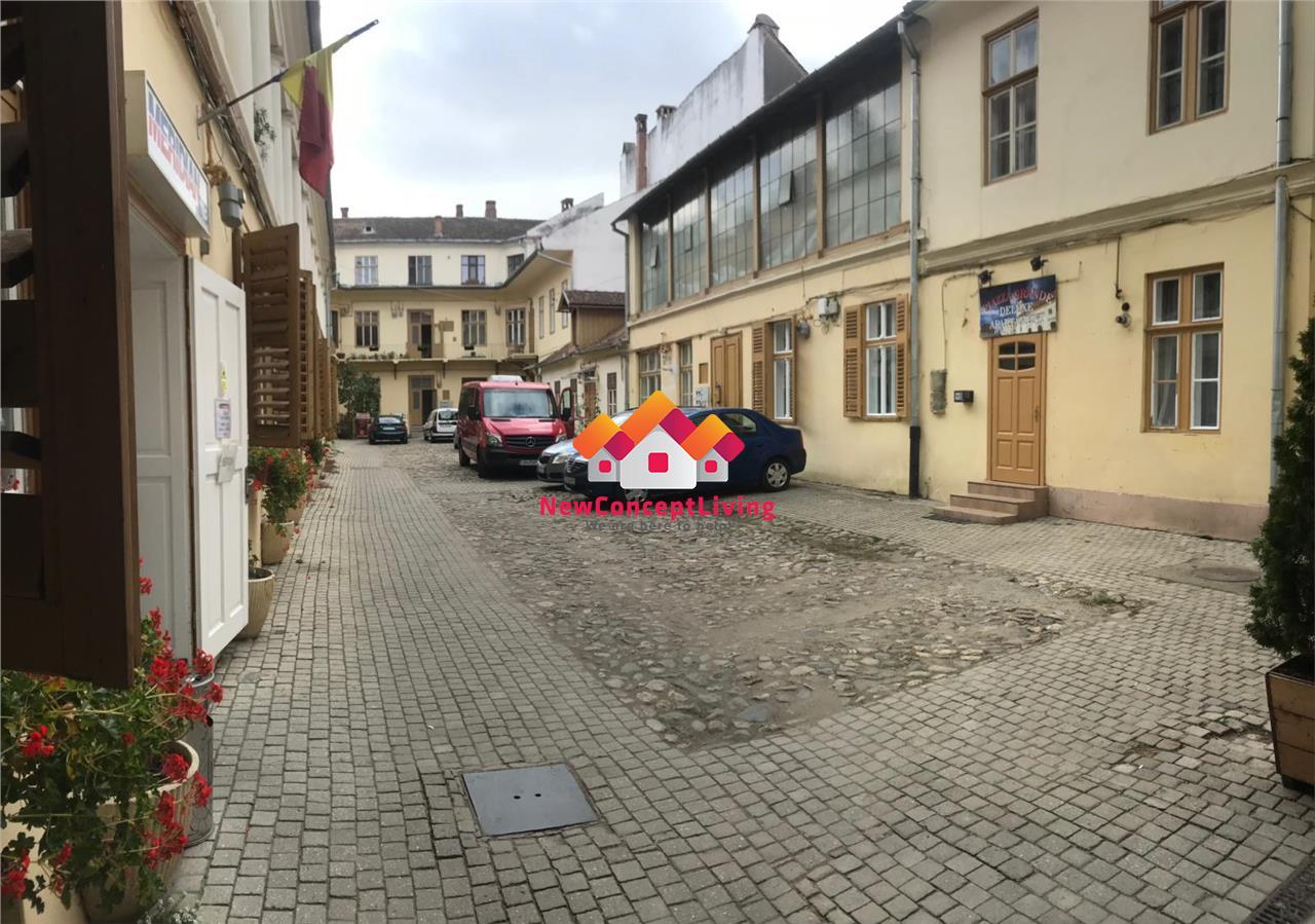 Spațiu comercial de vânzare în Sibiu - Ultracentral - Piața Mare