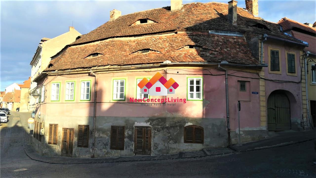 Spatiu comercial de vanzare in Sibiu - 4 camere - ULTRACENTRAL
