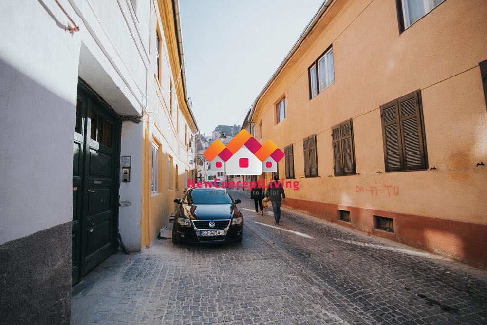 Garsoniera de vanzare in Sibiu - zona ultracentrala - afacere la cheie