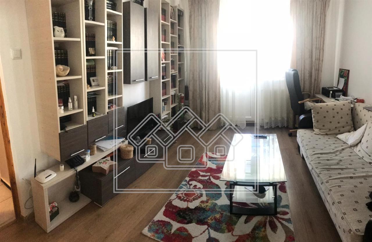Apartament de vanzare in Sibiu - 2 Camere + Pivnita - Vasile Aaron