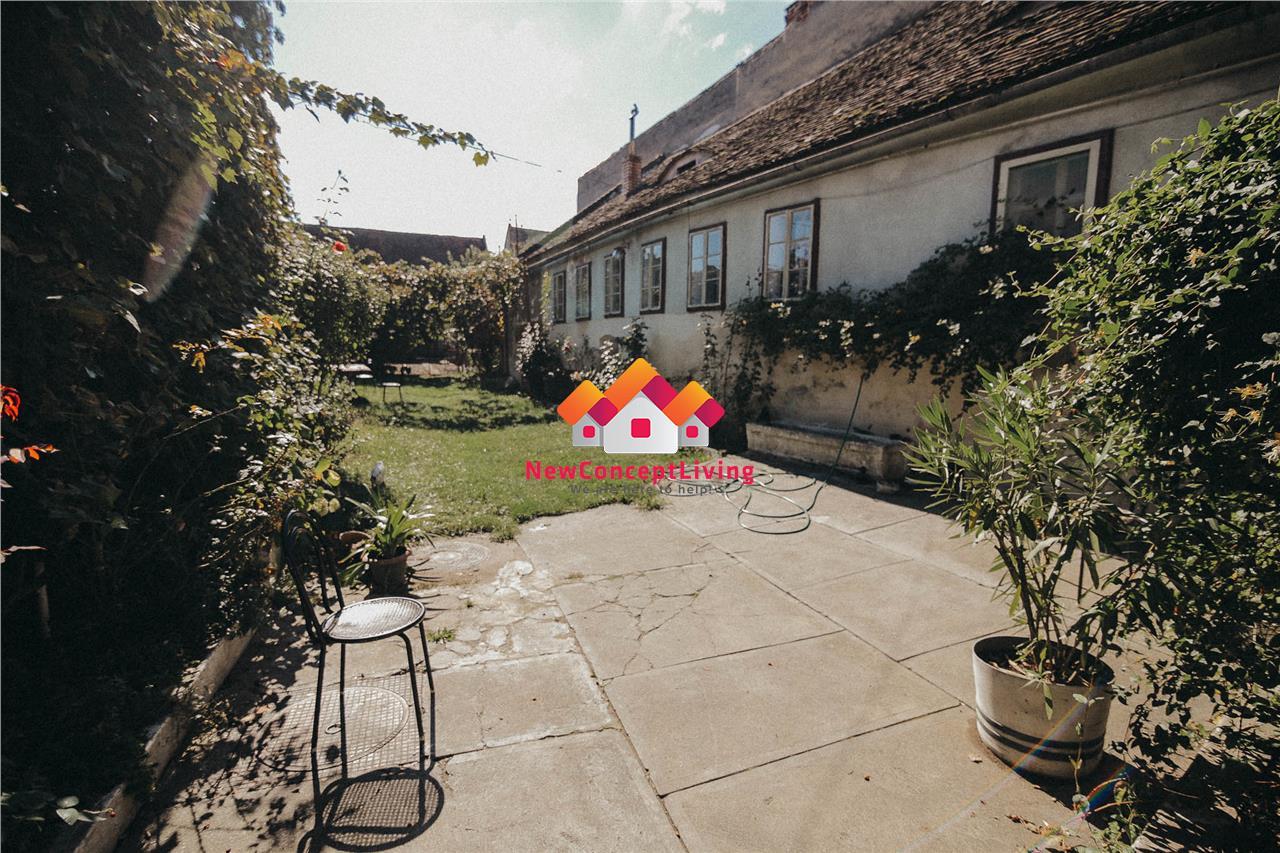 Casa de vanzare in Cisnadie - 2 camere - pivnita si pod mansardabil