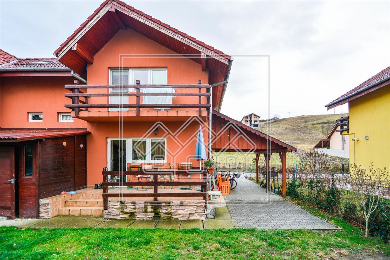 Casa de vanzare in Sibiu - 3 camere - 250 curte libera
