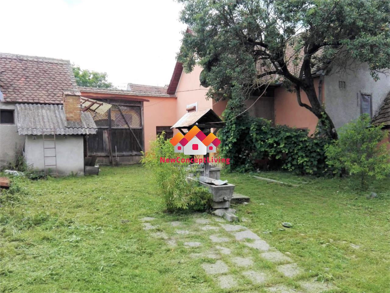 Casa de vanzare in Sibiu - sat Sangatin - 2200 mp teren