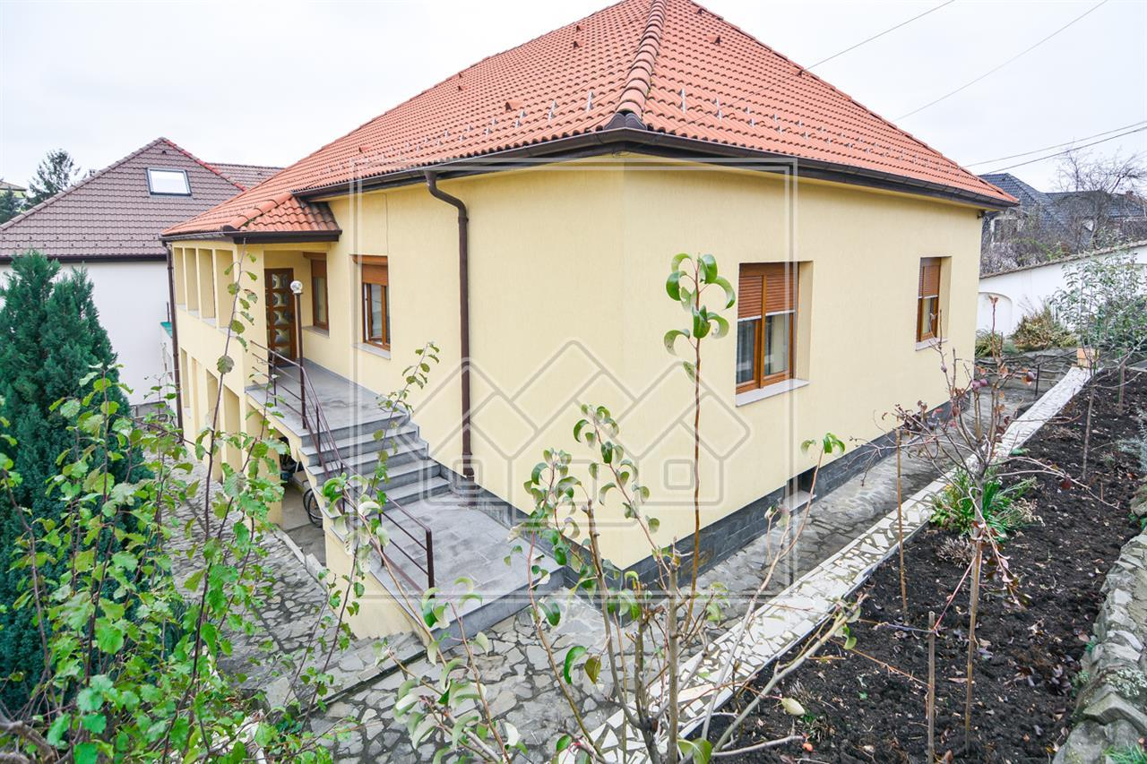 House for sale in Sibiu + Guesthouse