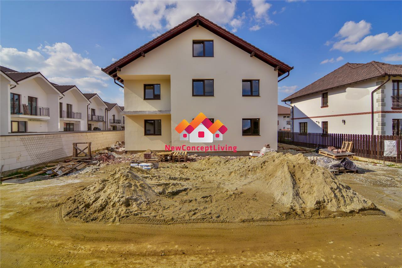 Apartament de vanzare in SIbiu - 3 Camere - Curte de 45 mp.