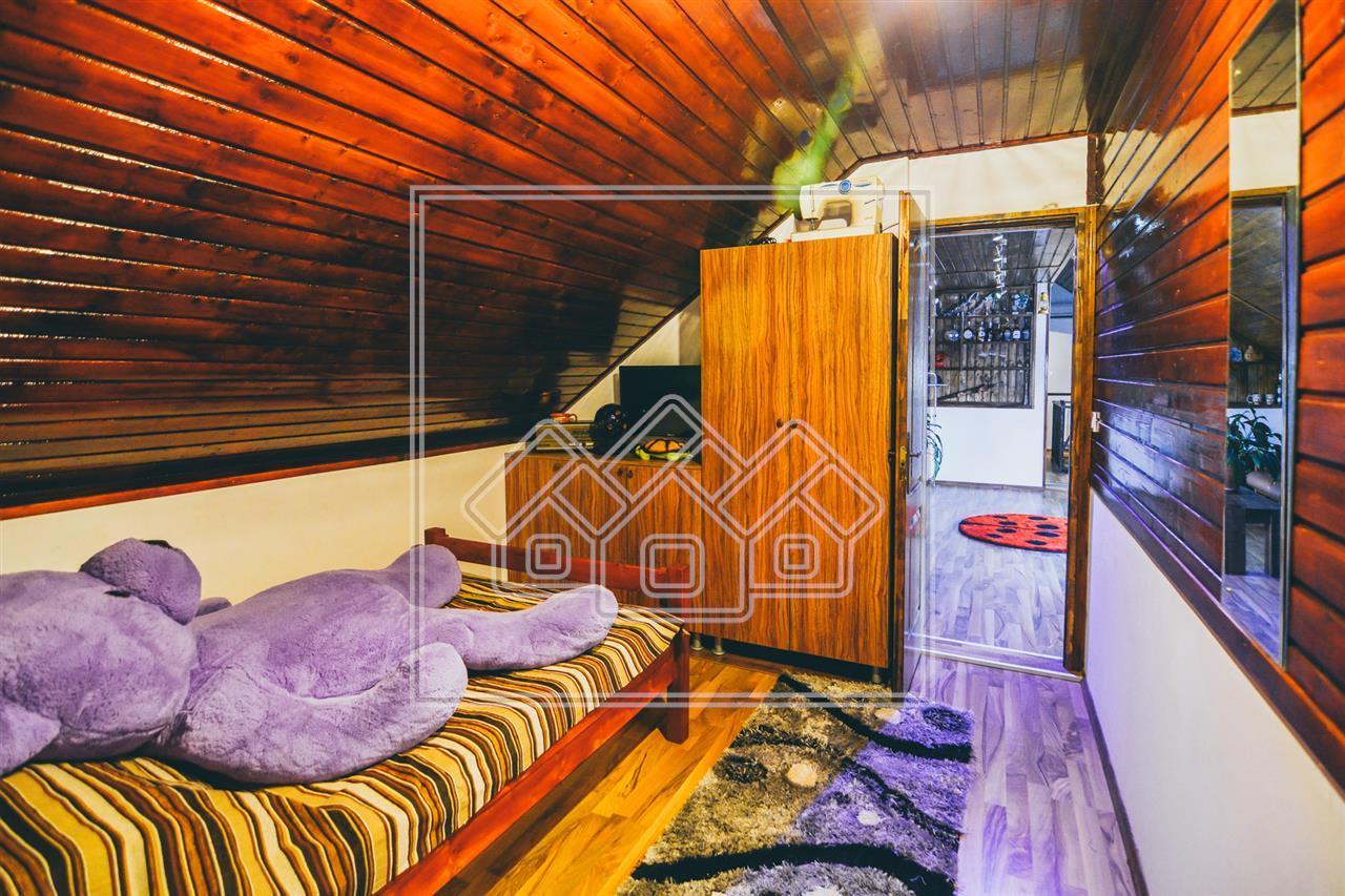 Casa de vanzare in Sibiu - mobilata si utilata - 7 camere - Piata Cluj