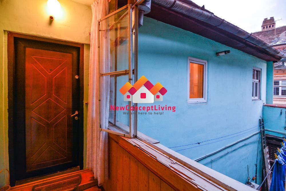 Apartament de vanzare in Sibiu 4 camere - ULTRACENTRAL -Pod si Pivnita