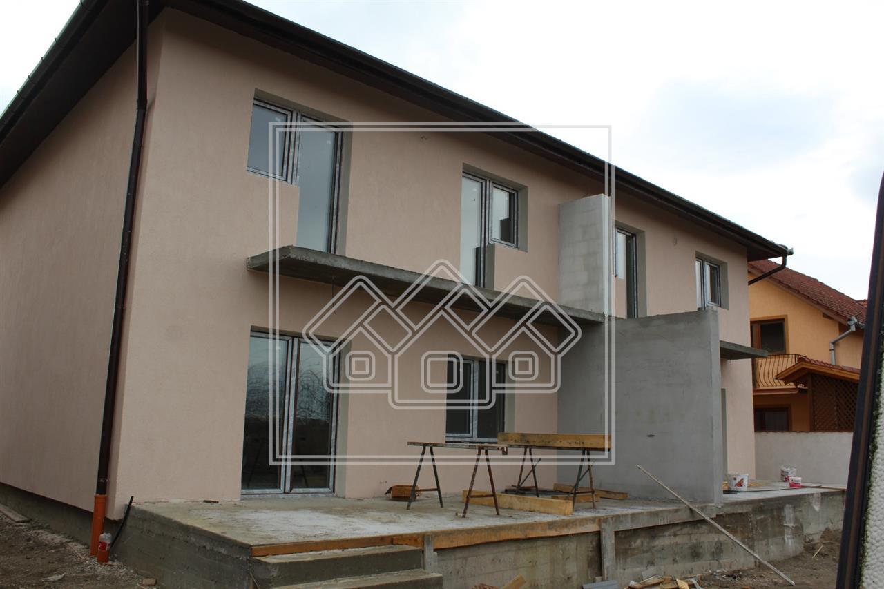 Casa de vanzare in Sibiu - Tip Duplex cu Gradina si Terasa in Veterani