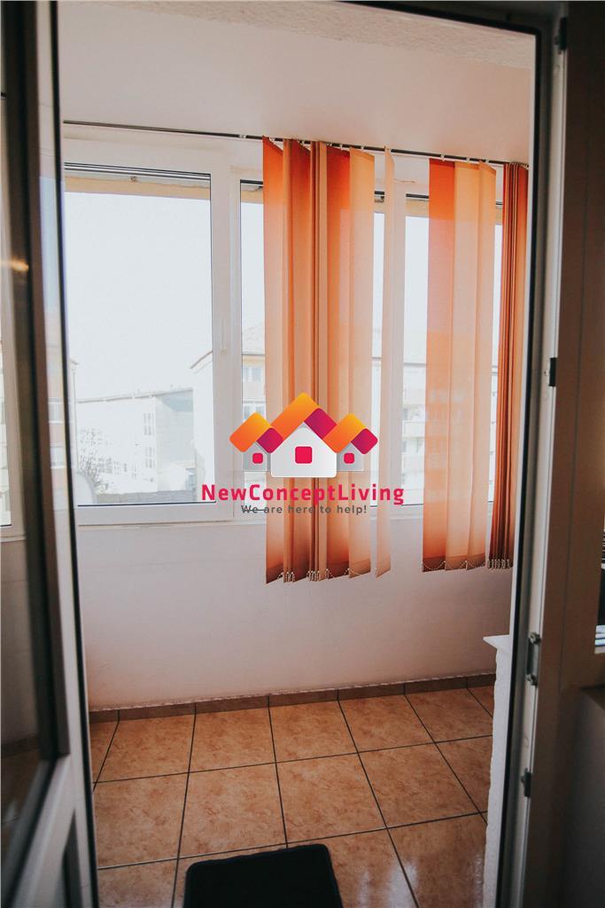 Apartament de vanzare in Sibiu - 3 camere - 2 balcoane - pivnita