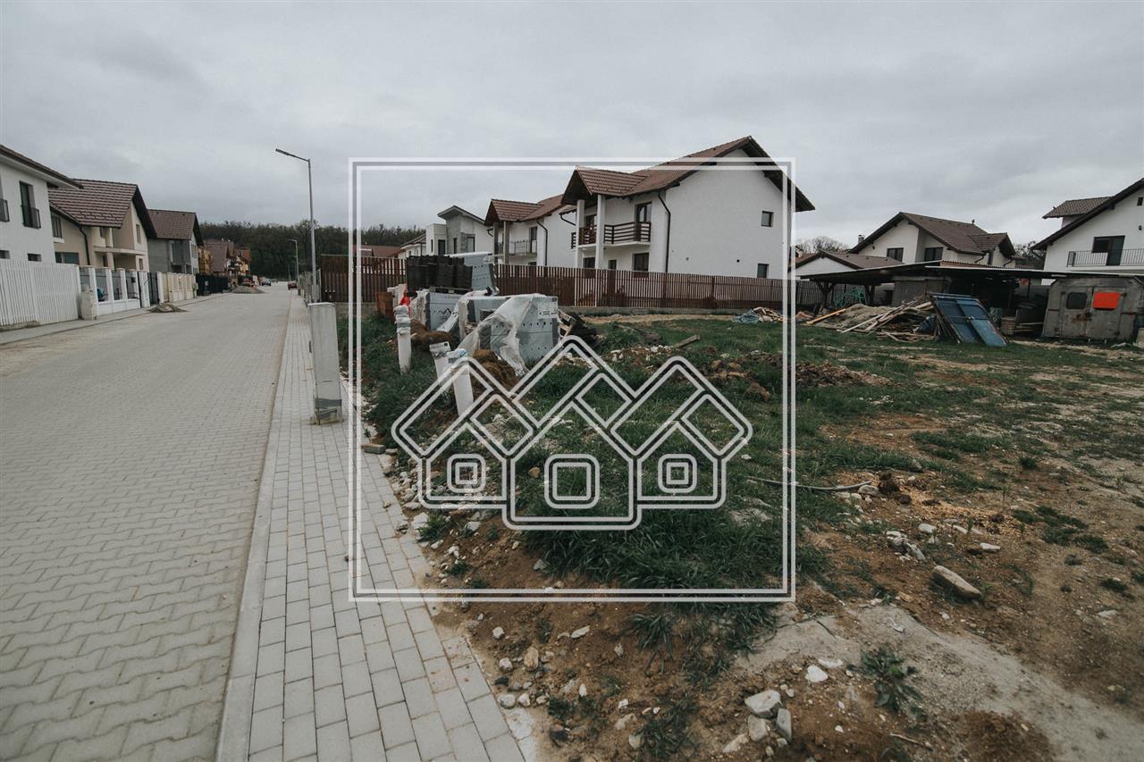 Teren intravilan de vanzare in Sibiu - Padurea Dumbrava