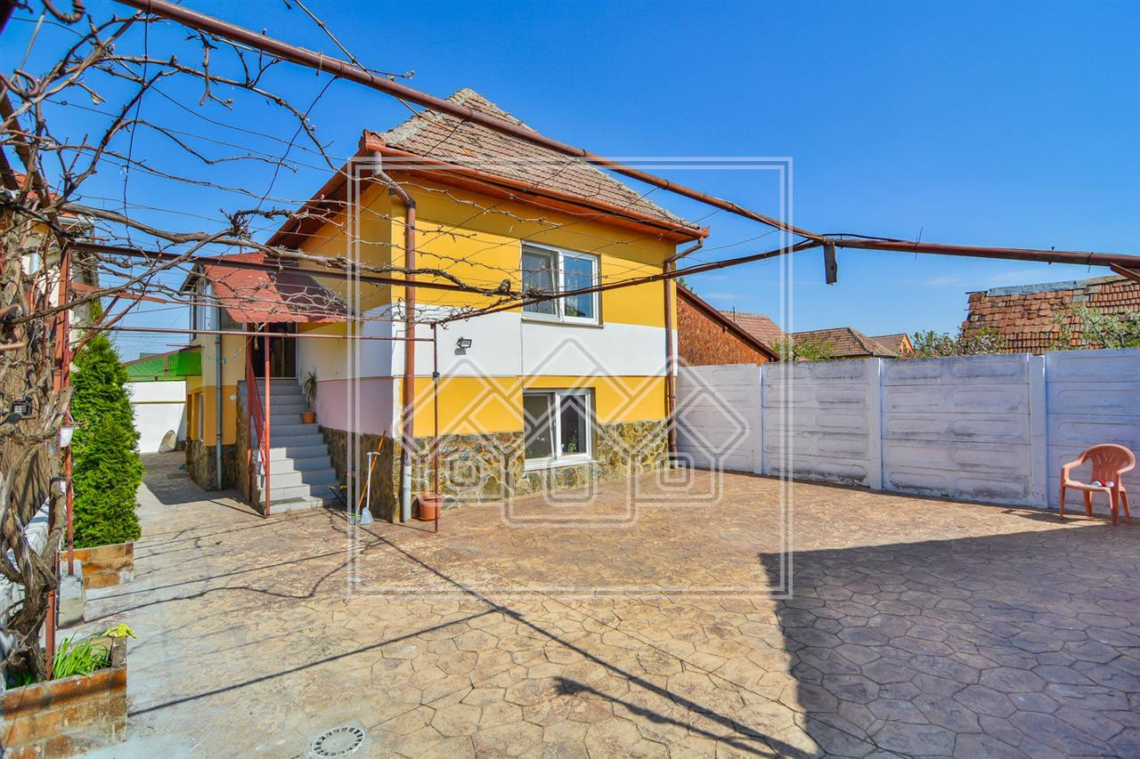 Casa de vanzare in Sibiu - individuala - curte libera 980 mp