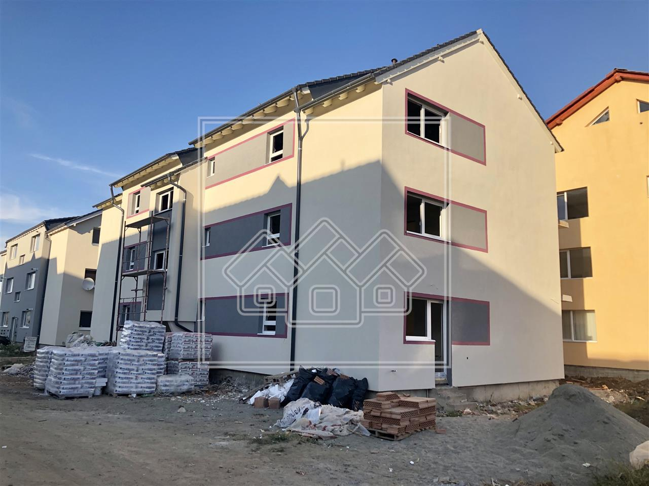 3-room apartment for sale in Sibiu with a 42 sqm garden