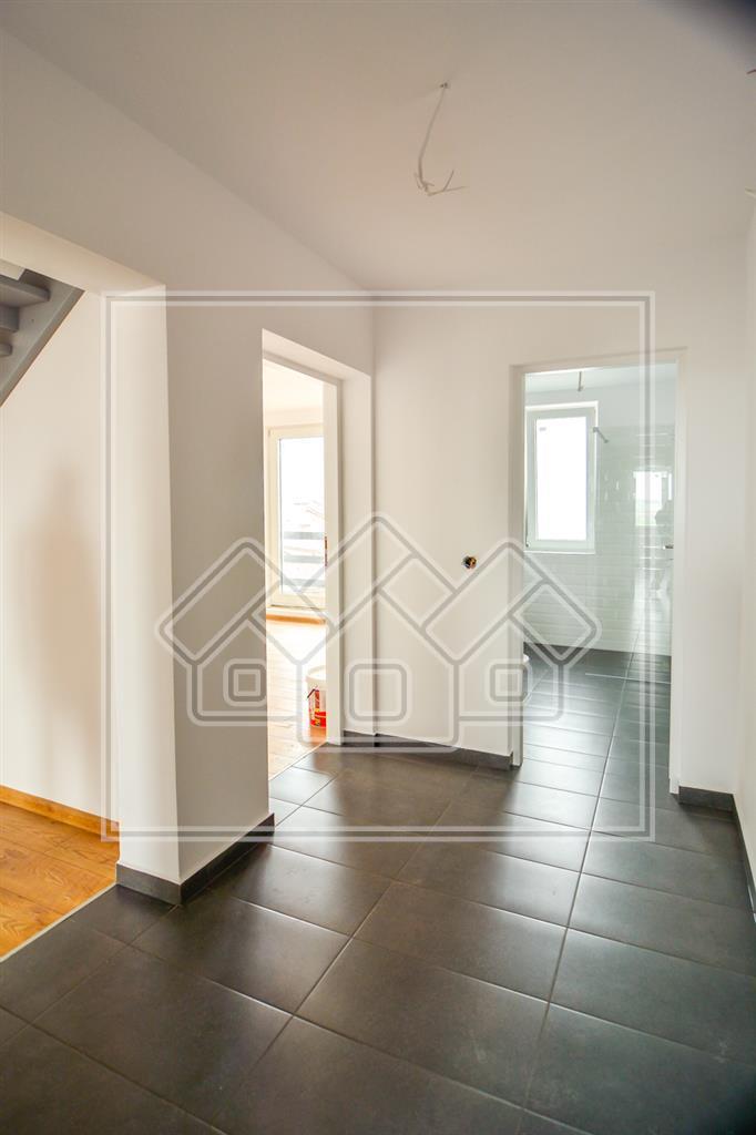 Apartament 4 camere de vanzare in Sibiu Finisat la Cheie