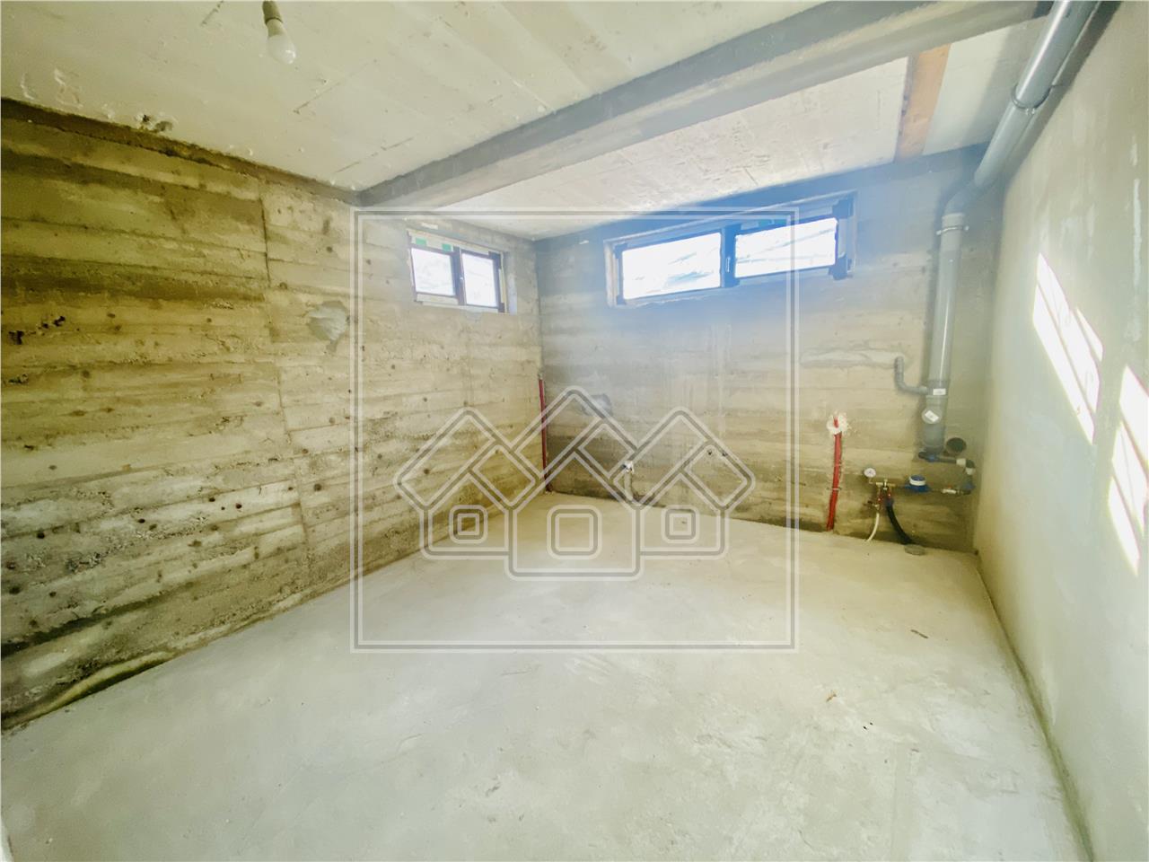 Casa de vanzare in Sibiu (Gura Raului) - 4 camere - pivnita